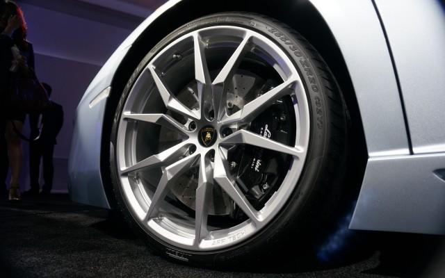 car-820898